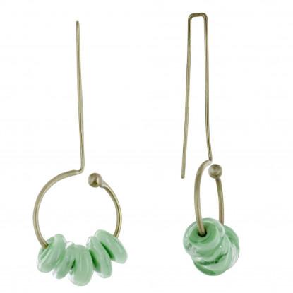 Boucles d'Oreilles Grand Crochet Laiton Anneau et Petits Disques de Verre Vert