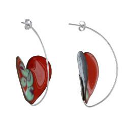 Boucles d'Oreilles Coeurs Émaillés Rouge et Un Côté à Pois Vert